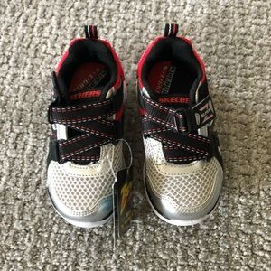 NWT Skechers Light Up Sneakers!